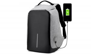 Nomad Backpack, il famosissimo zaino multiuso: recensione completa