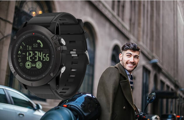 TAC25 Smartwatch, uomo felice