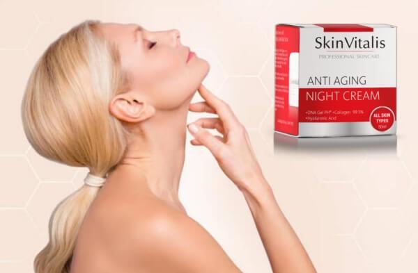 SkinVitalis, donna all'età con la pelle giovane